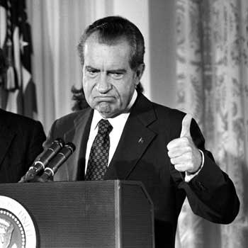 Nixon%20thumbs%20up