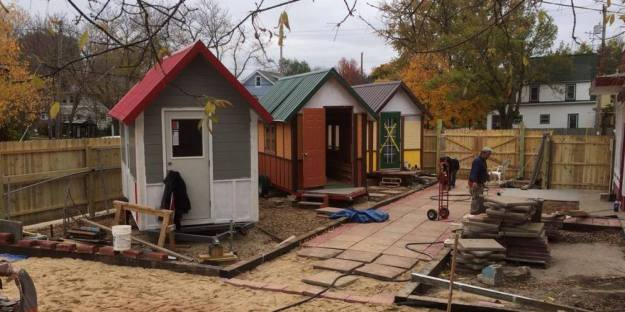 o-OM-BUILD-TINY-HOMES-facebook