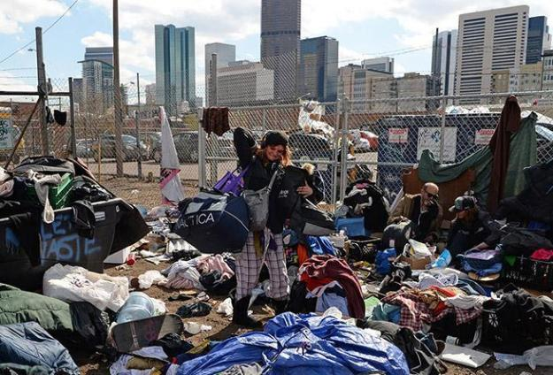 20160308_032705_homeless-eviction-march-8